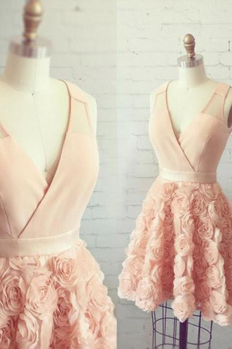 Modern A-Line V-Neck Straps Sleeveless Pearl Pink Short Homecoming Dress With Appliques