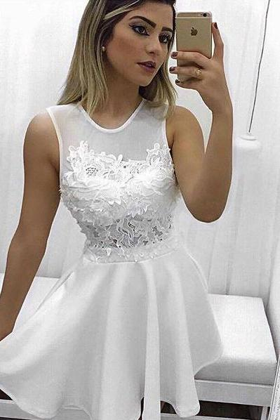 Elegant A-Line Jewel Sleeveless White Short Homecoming Dress With Lace