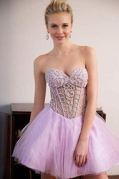 Fashion A-Line Sweetheart Tulle Short Homecoming Dress With Beading
